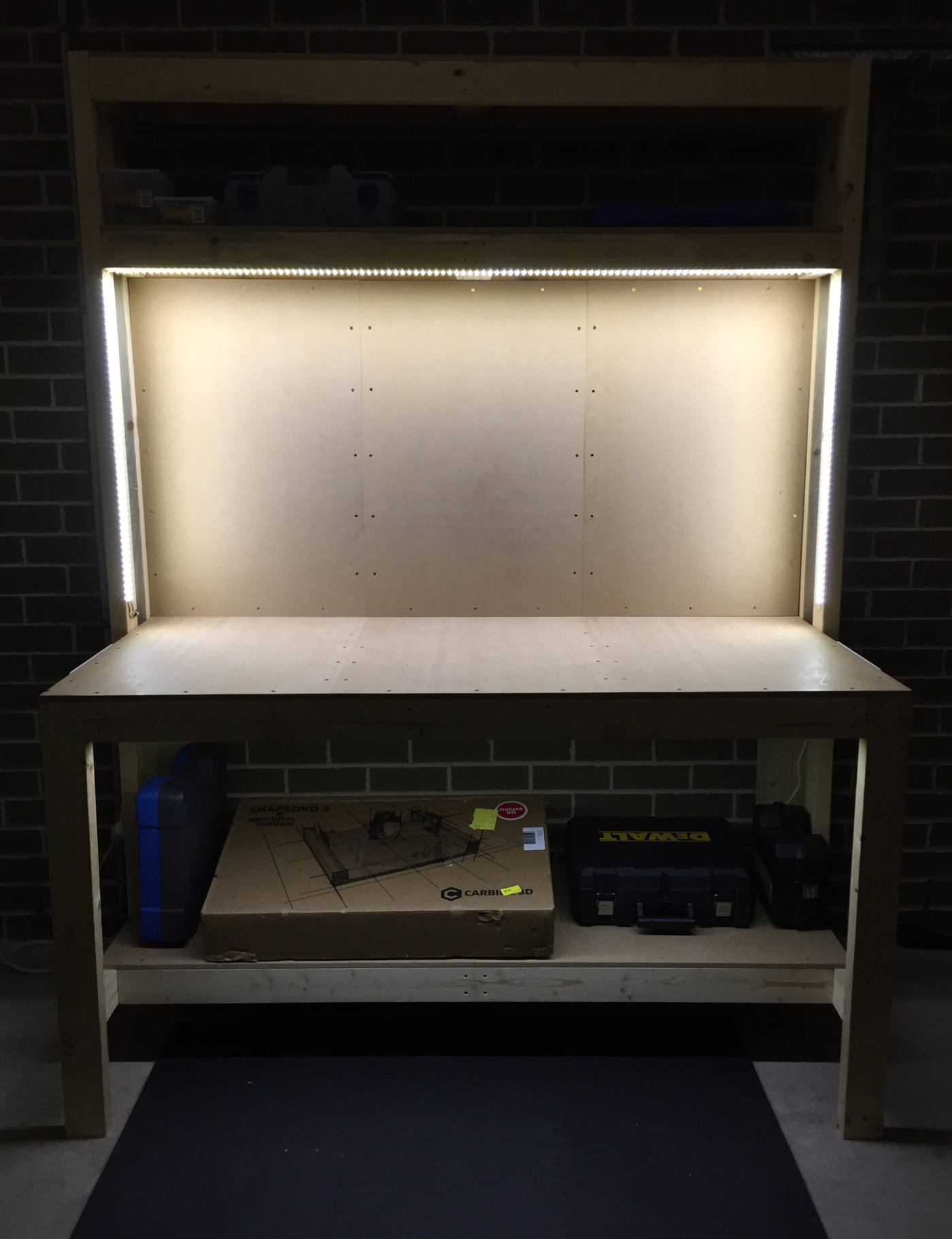 Workbench completed with LED ligthing